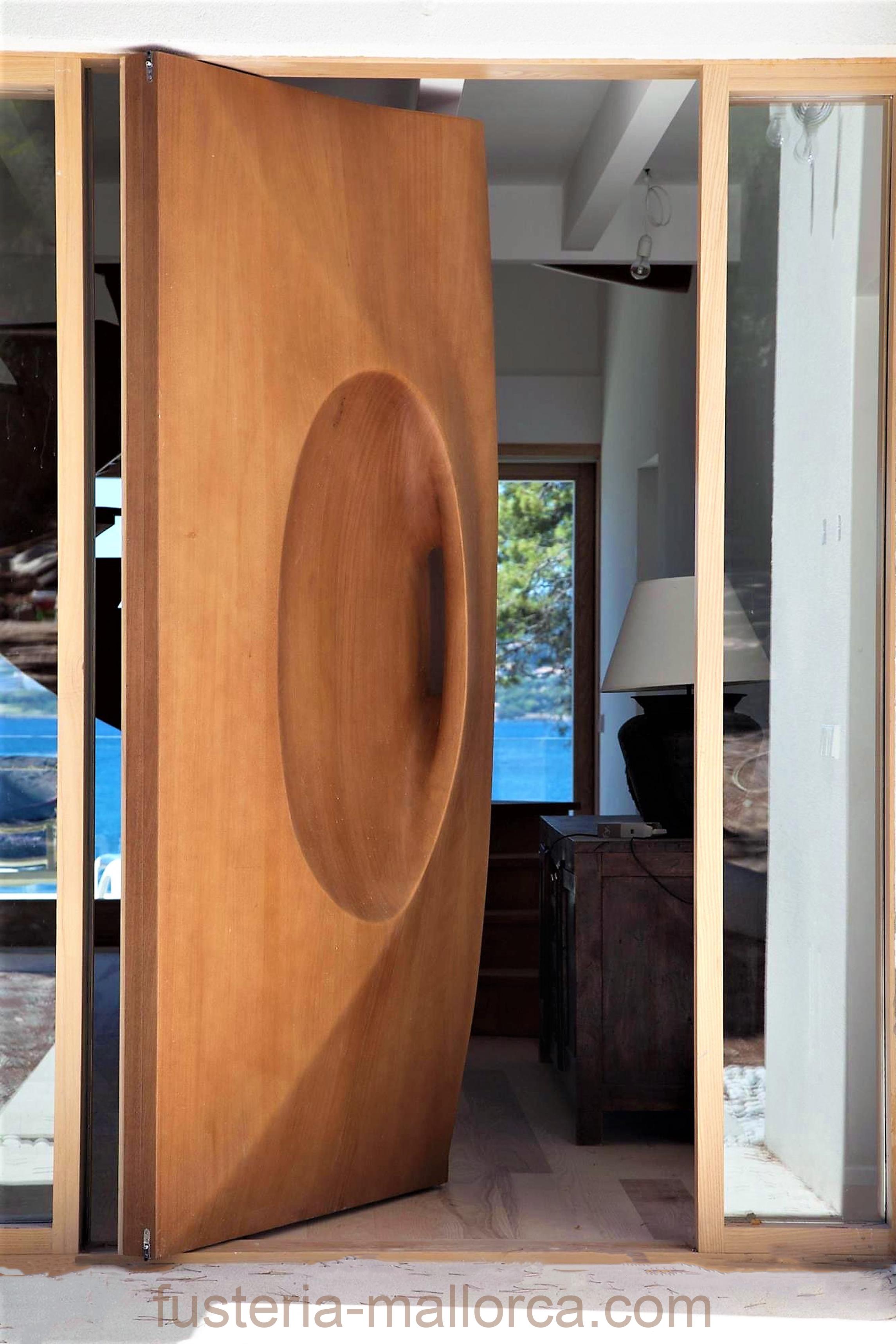 #wood #art #design #holz #kunst #design #madera #arte #pivot #door #entrance #pivottür #eingangstür #entrada #puerta pivot